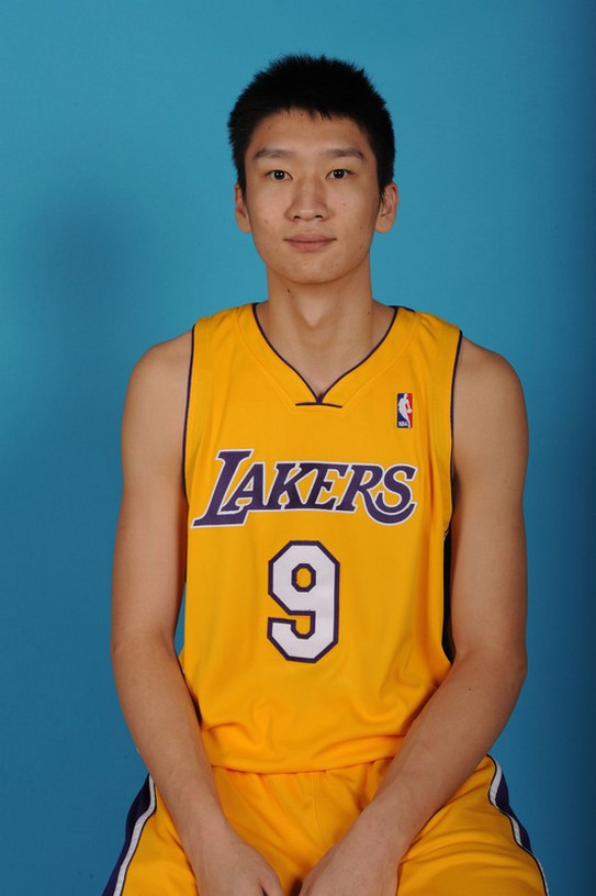 82993706AB001_CLIPS_LAKERS