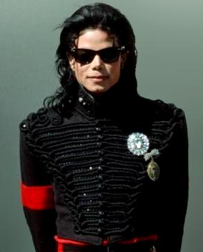 Michael_Jackson_and_President_Bush_2_(cropped)